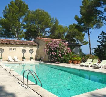Chambres hôtes piscine Var - La Rouvraie - Chambres d\'hôtes avec ...